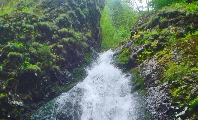 cascada-covatari-din-comuna-sapanta-flickr