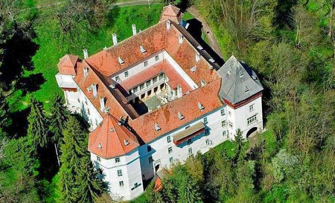 castelul-kemeny-din-comuna-brancovenesti-zi-de-zi