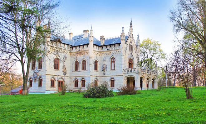 castelul-sturdza-din-miclauseni-comuna-butea-flickr