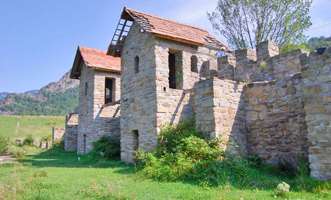 castrul-roman-arutela-din-orasul-calimanesti-flickr