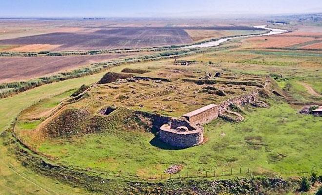 cetatea-romano-bizantina-dinogetia-din-comuna-jijila