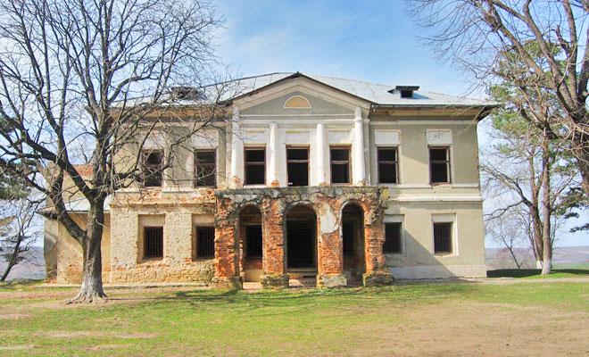 conacul-prezan-din-comuna-dumesti-soringrumazescu