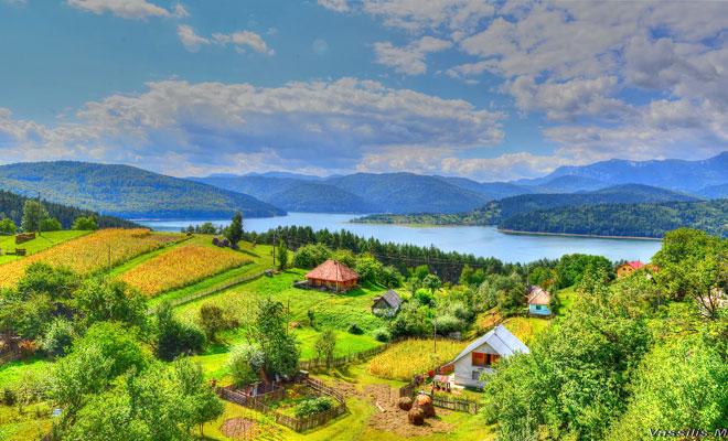 lacul-pangarati-din-comuna-pangarati-flickr