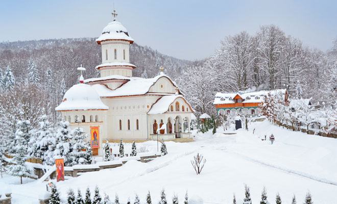 manastirea-cartisoara-din-comuna-cartisoara-manastireacartisoara