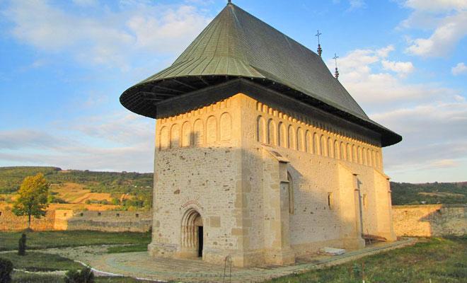 manastirea-dobrovat-din-comuna-dobrovat-flickr