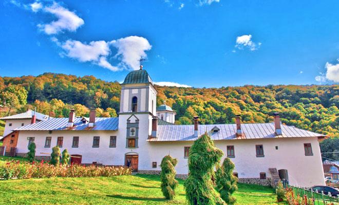 manastirea-frasinei-din-comuna-muereasca-blogspot