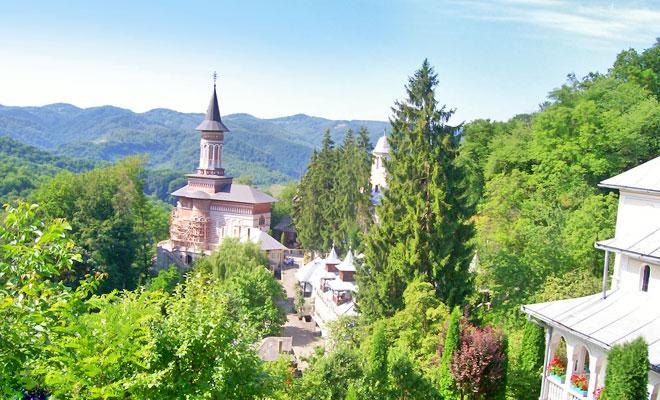 manastirea-sfanta-ana-din-comuna-rohia-crestin-ortodox