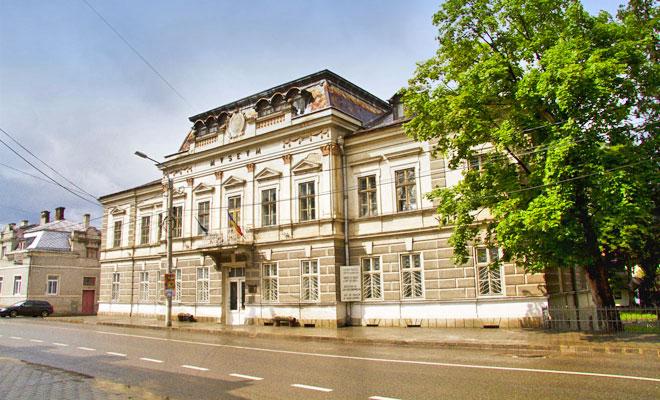 muzeul-arta-lemnului-din-orasul-campulung-moldovenesc-discovercorporatetravel