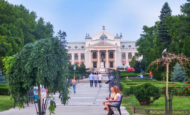 opera-nationala-romana-din-orasul-iasi-flickr