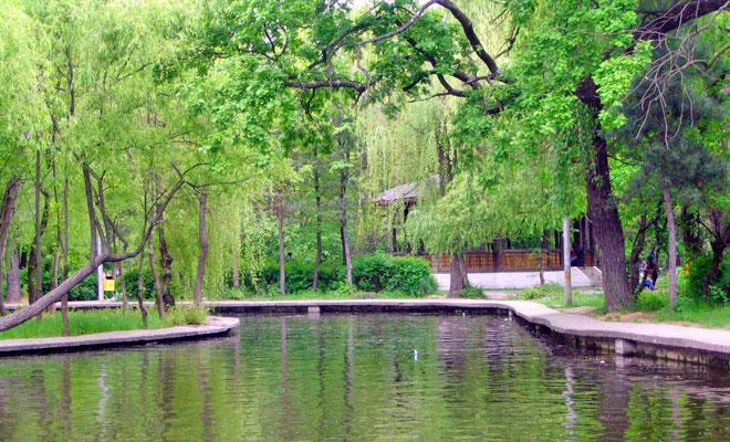 Parcul Crang din orasul Buzau - wikimedia