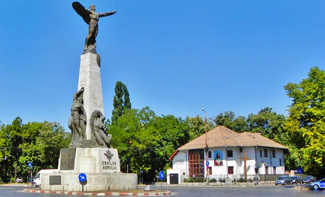 Statuia Aviatorilor din Bucuresti - flickr