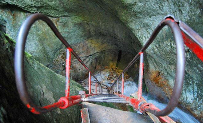 Canionul Sapte Scari din orasul Sacele judetul Brasov - flickr