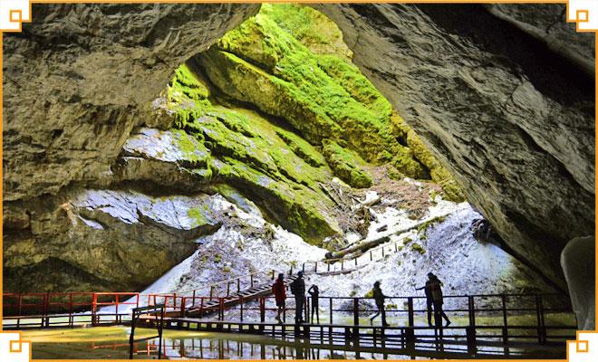 Obiective turistice din judetul Alba - Ghetarul de la Scarisoara