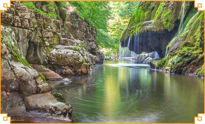 Obiective-turistice-din-judetul-Caras-Severin---Izbucul-Bigar