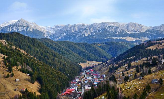 Satul Moeciu de Sus din comuna Moeciu judetul Brasov - flickr