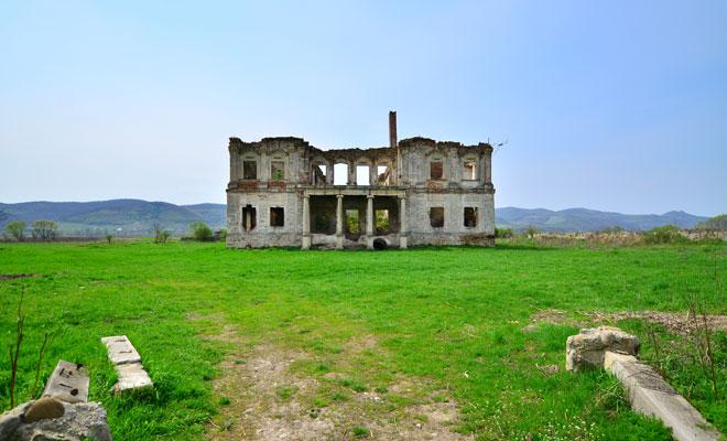 Castelul-Haller-din-satul-Coplean,-judetul-Cluj
