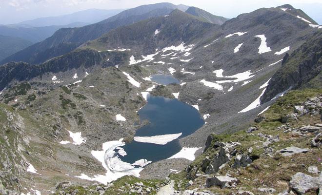 Lacul-Custura-Mare-din-Parcul-National-Retezat